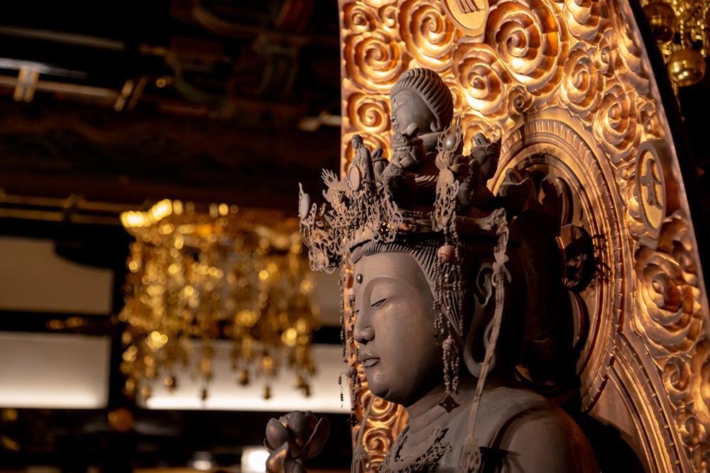 照明は新たな参拝者のいざない、仏教美術や歴史の継承の一助となる